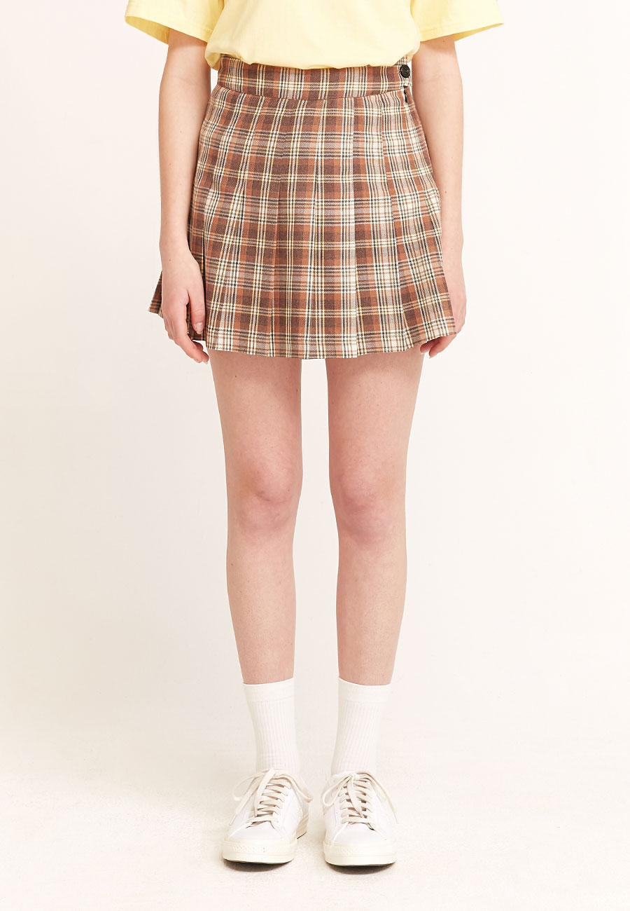 LOGO LABEL PLEATS SKIRT[BROWN]